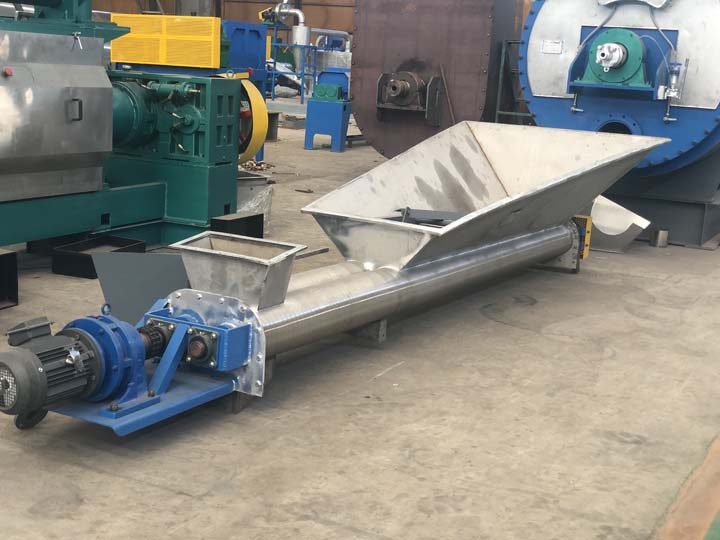 large screw conveyor